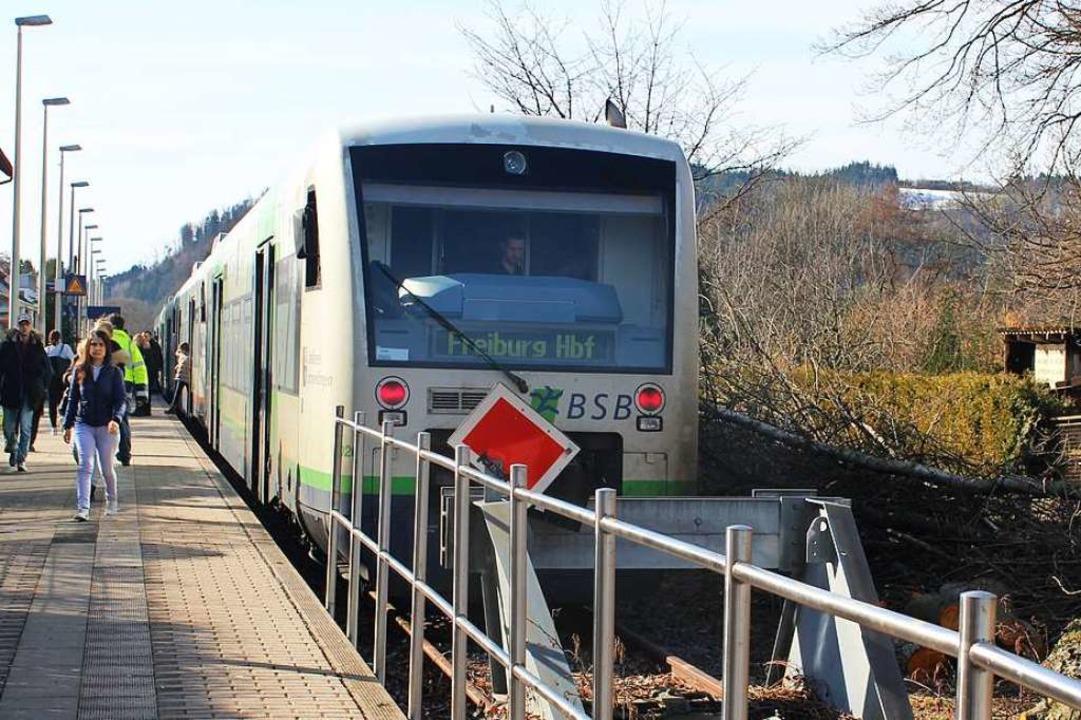 Die S-Bahn von Waldkirch nach Freiburg...ieder häufiger in Gundelfingen halten.  | Foto: Bernd Fackler