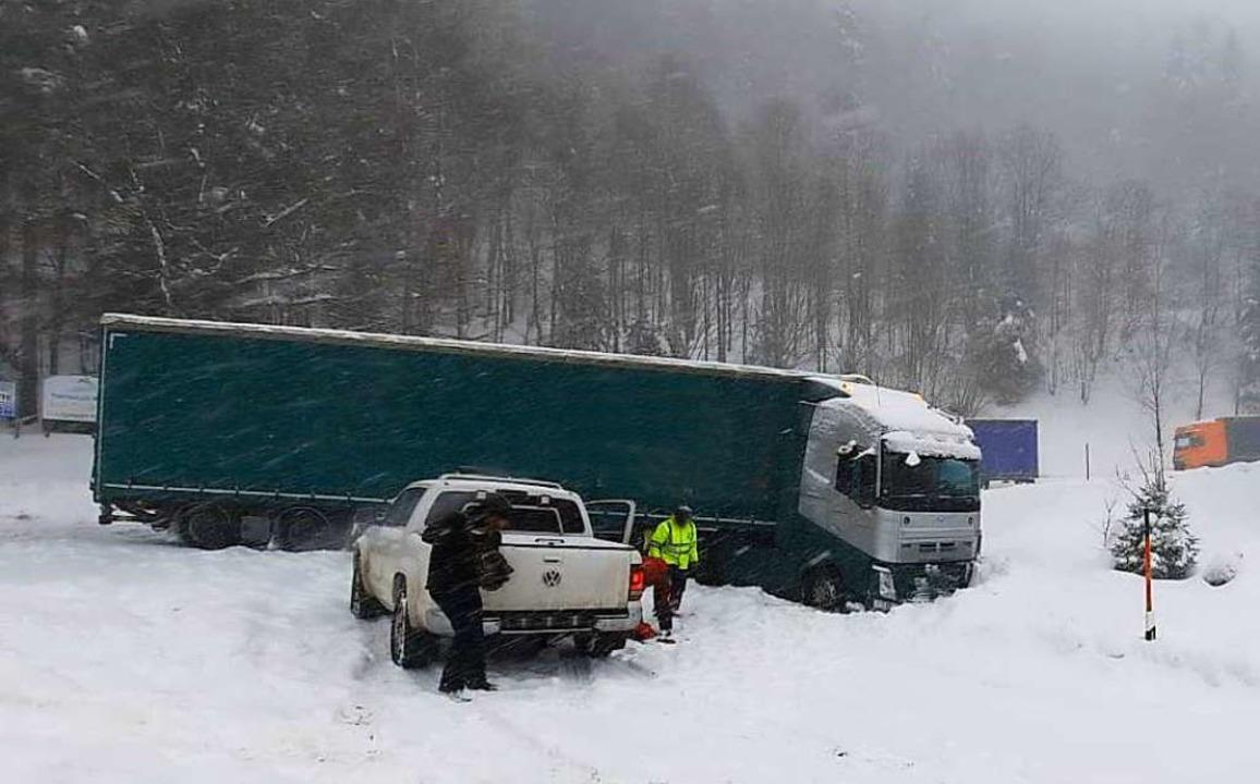 Dieser Lastwagen musste geborgen werden.  | Foto: Polizeipräsidium Freiburg