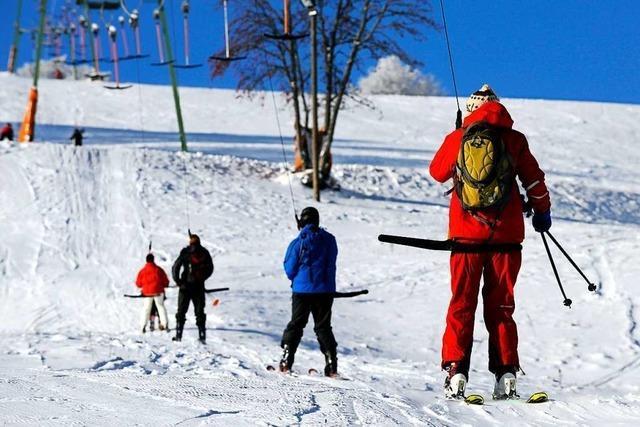 Im Pandemie-Winter können Haushalte ganze Skilifte mieten