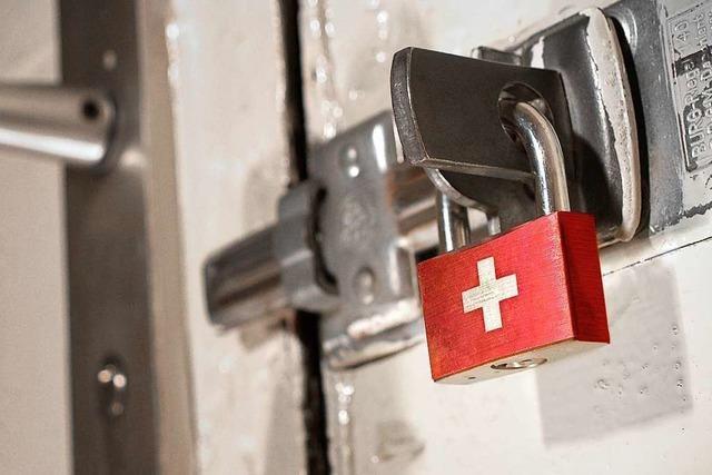 Lockdown im Nachbarland: Schweiz verschärft Corona-Maßnahmen deutlich