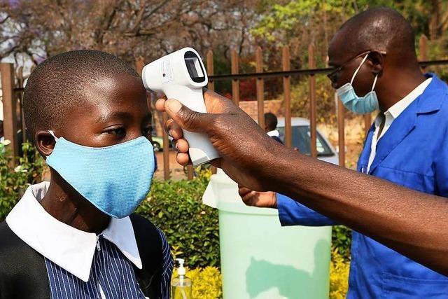 Zwei Initiativen wollen für eine gerechte Impfstoff-Verteilung an arme Länder sorgen