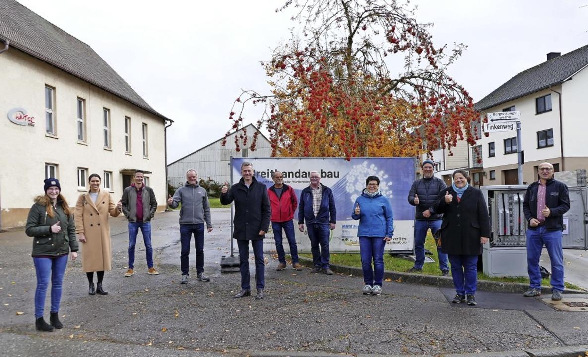 Sie alle freuten sich über die Inbetri...Bau GmbH und Netzbetreiber Stiegeler.   | Foto: Juliane Kühnemund