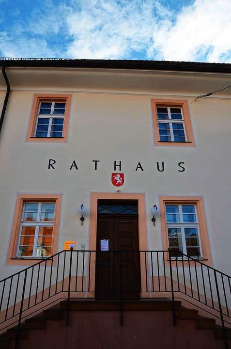 Drei Kandidaten wollen auf den Chefsessel im Oberrieder Rathaus  | Foto: Kathrin Blum