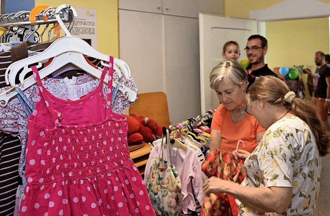Kinderkleider aus zweiter Hand einkauf...nzentrum ein Online-Angebot überlegt.     Foto: Heinz u. Monika Vollmar