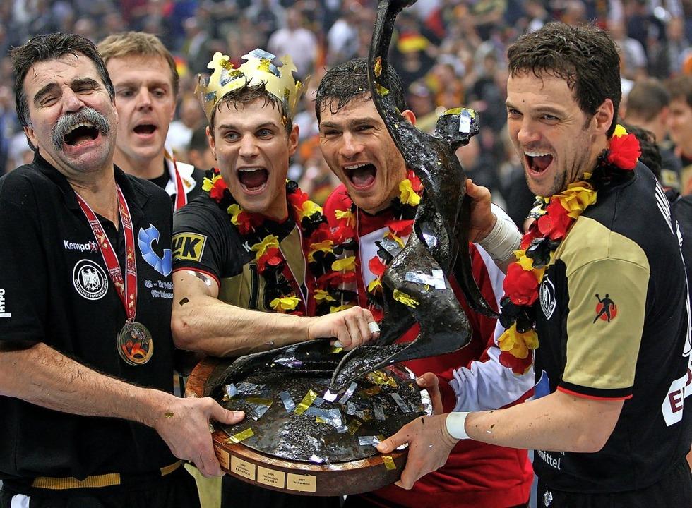 Jubelt das deutsche Team wie beim Wint...er aus der Region glauben nicht daran.  | Foto: Franz-Peter Tschauner (dpa)