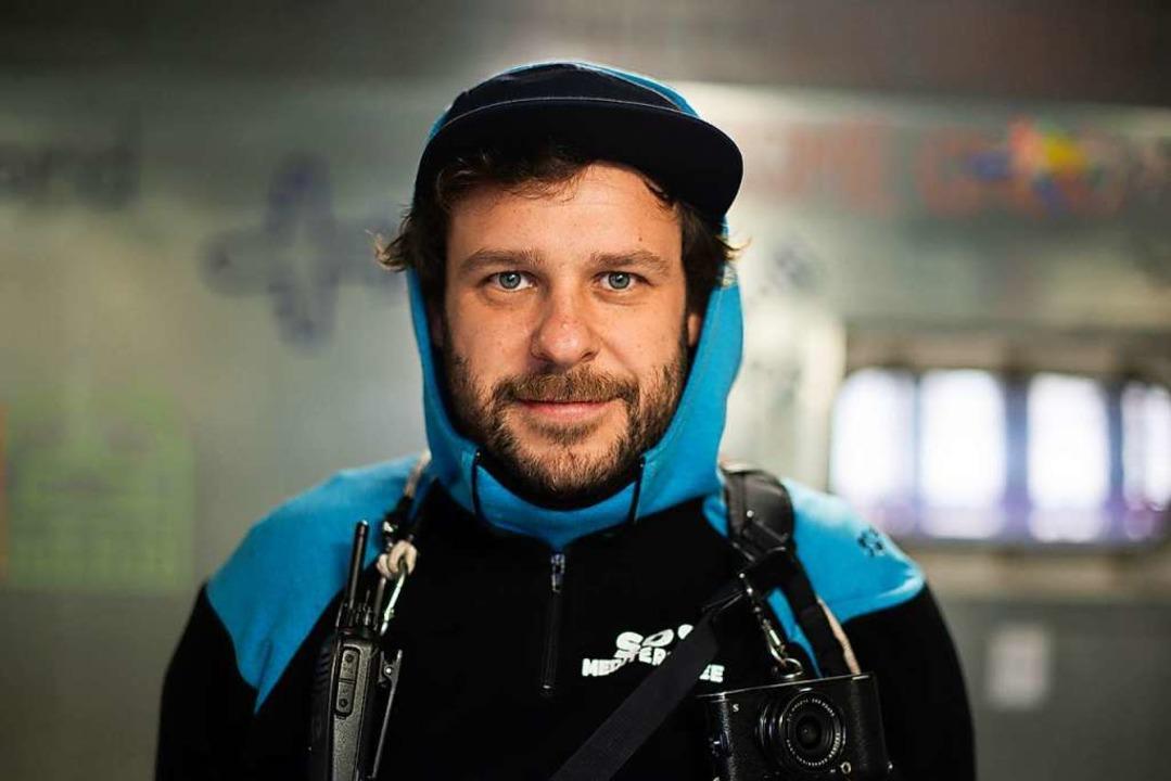Fabian Mondl hilft mit der Organisatio...ee Schiffbrüchigen auf dem Mittelmeer.    Foto: Fabian Mondl