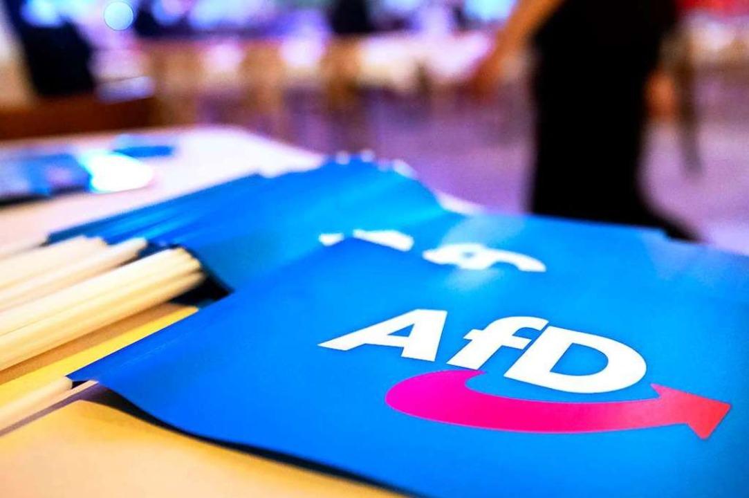 Eine Partei, die im Bundestag und in a...beobachtet – das wäre ein Novum.  | Foto: Daniel Karmann (dpa)