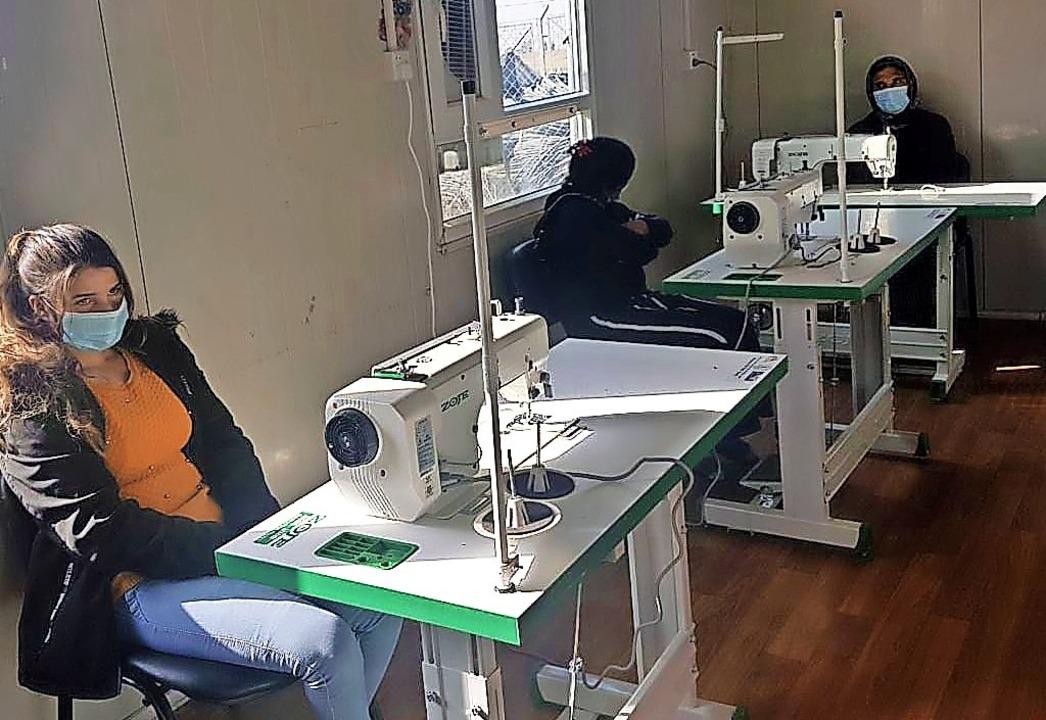Erstmals werden im Nähatelier jesidisc...ebenden Gemeinde Sheikhan ausgebildet.  | Foto: Zarok e.V.