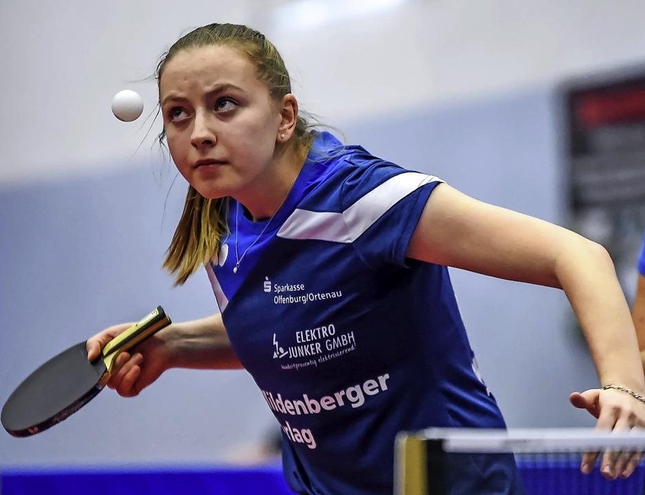 Immer fokussiert auf den Ball  und ein...Offenburg: die 18-jährige Jana Kirner   | Foto: Gerd Gruendl