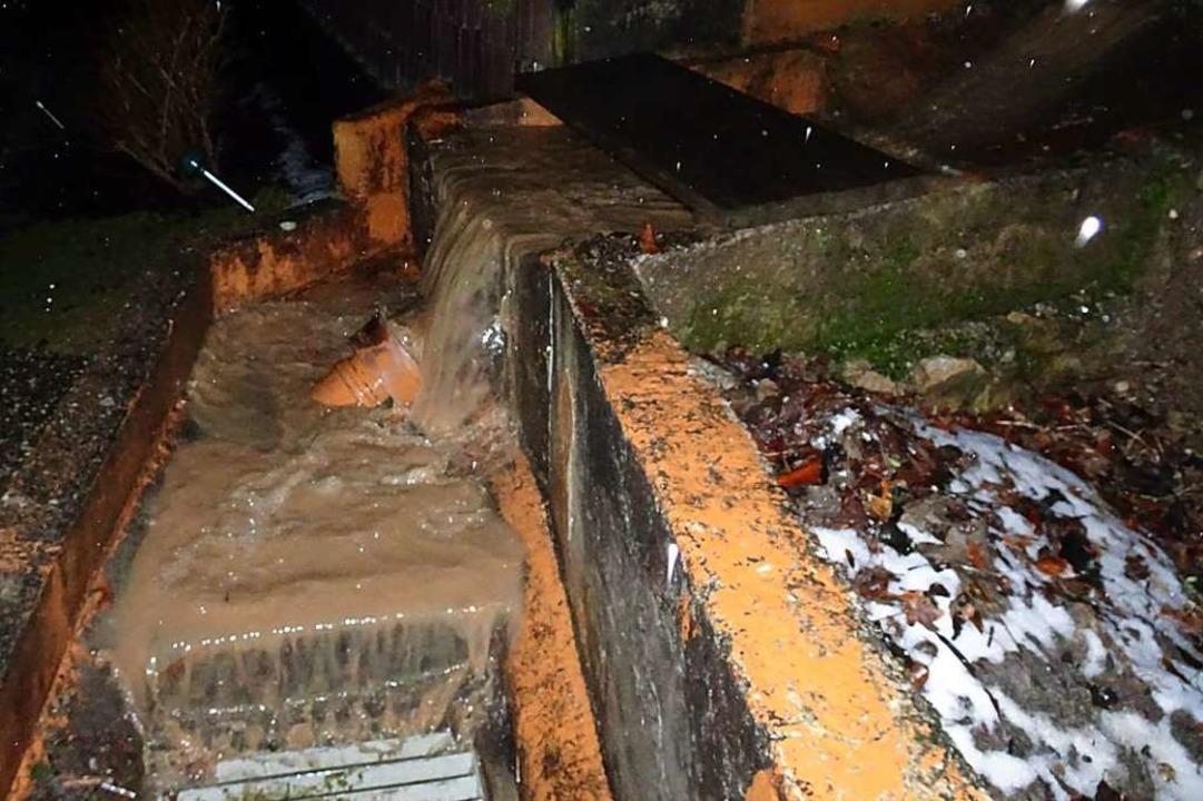 In Schwörstadt ist es wieder einmal zu Überschwemmungen gekommen.  | Foto: Helmut Kohler