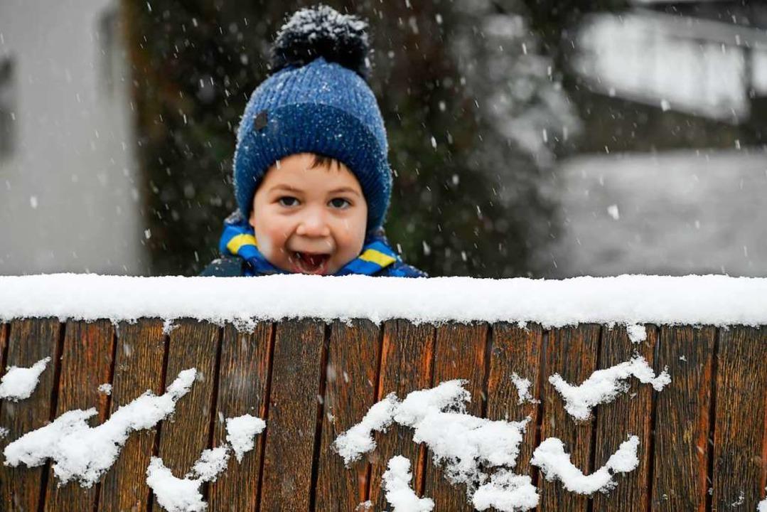 Spaß im Schnee: Selbst das sonnenverwö... Müllheim) ist ein Winterort geworden.  | Foto: Volker Münch