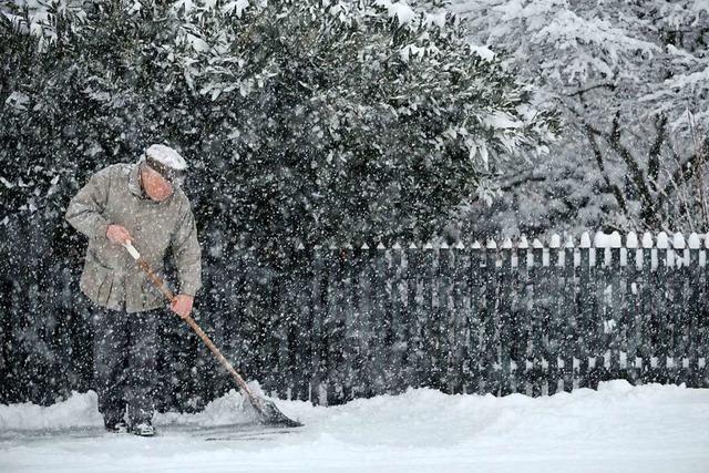 Wer ist für das Schneeschippen verantwortlich?