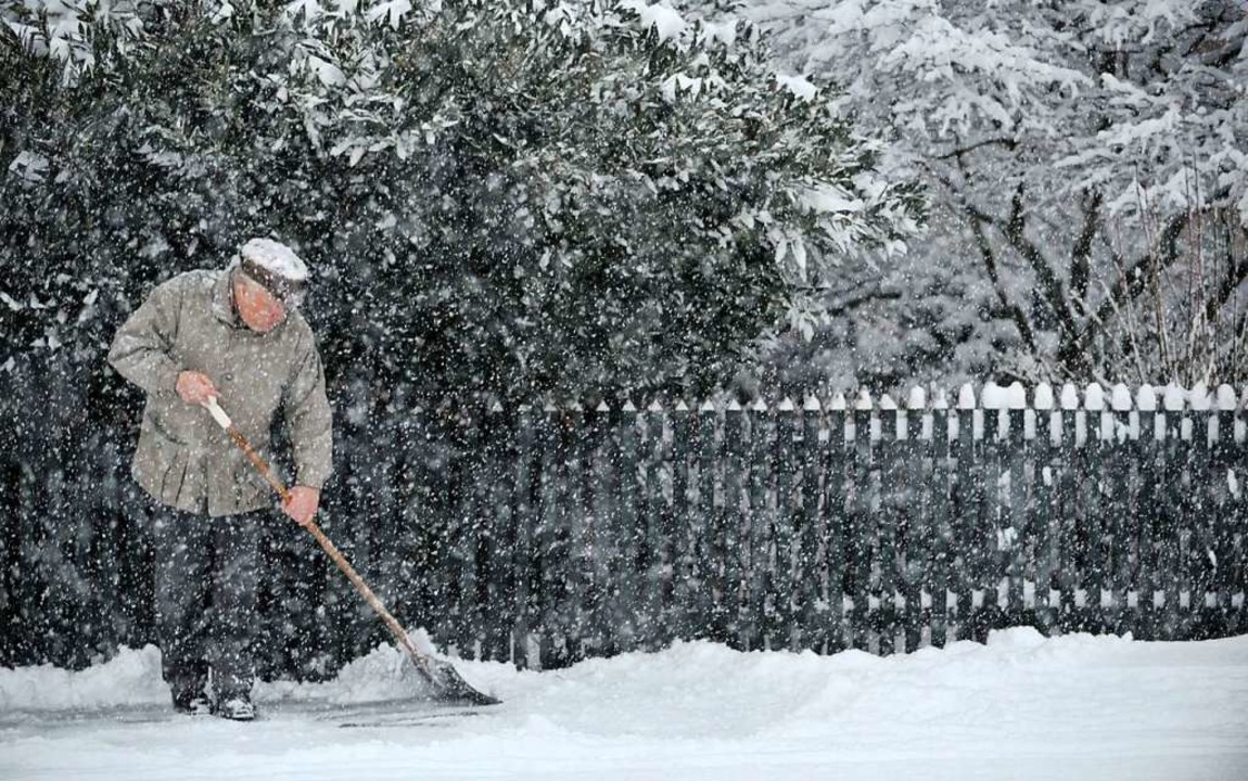 Mieter müssen  nur dann Schnee räumen,...vertrag ausdrücklich vereinbart wurde.  | Foto: Carmen Jaspersen