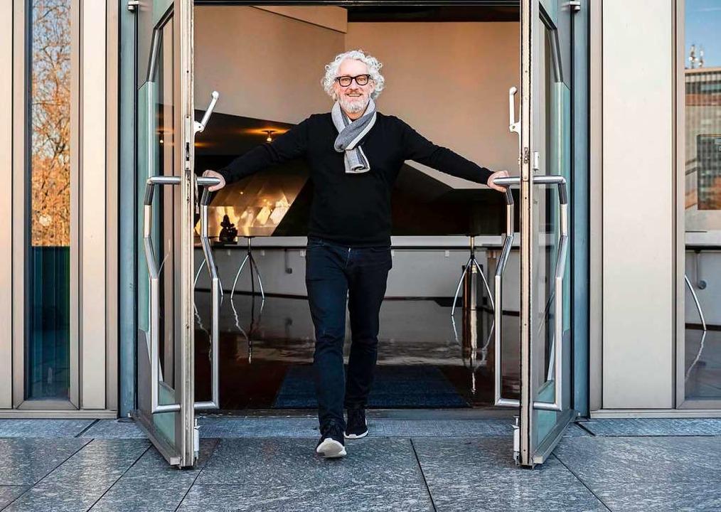 Bald sind die Türen zu: Peter Spuhler ...che Staatstheater im Sommer verlassen.    Foto: Uli Deck (dpa)