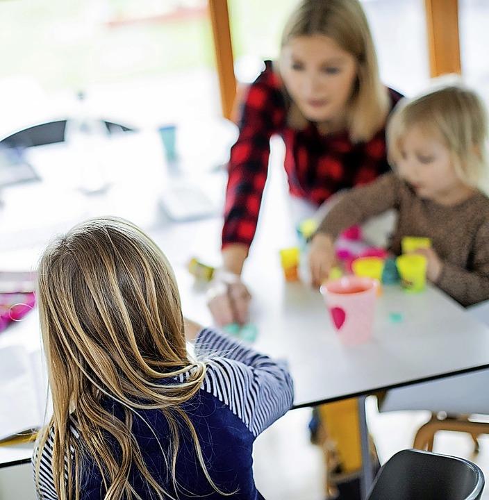 Familien können in diesem Jahr 20 stat...Kinderkrankengeld pro Kind beantragen.  | Foto: Rolf Vennenbernd (dpa)