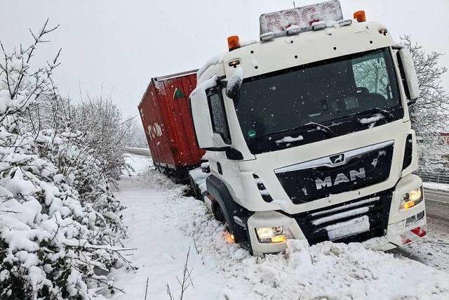 Im Landkreis Lörrach gibt es zahlreiche Behinderungen wegen Schnee und Glätte