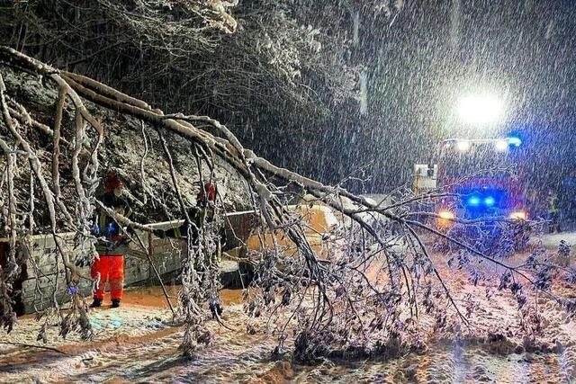Schneechaos: Feuerwehr rückt 50 Mal im Kreis Emmendingen aus
