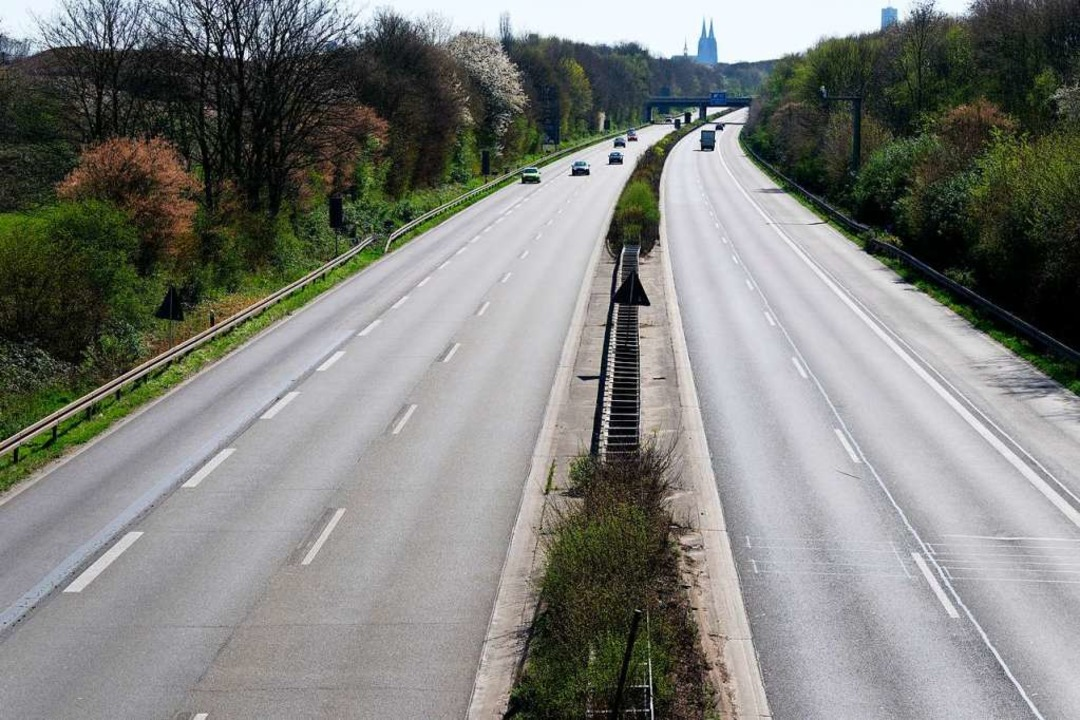 Im Mai waren die Autobahnen leer, die ...211; trotz der hohen Infektionszahlen.  | Foto: Henning Kaiser