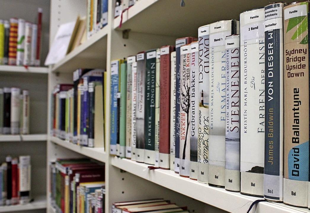 Die Stadtbibliothek ist geschlossen, d... online oder telefonischer Bestellung.  | Foto: Annika Sindlinger