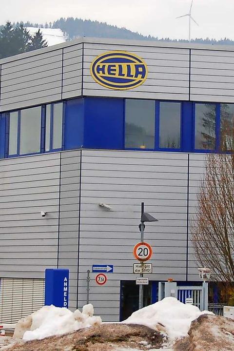 Das expandierende Metallwerk zog 1977 ...rhielt in den 1990ern den Namen Hella.  | Foto: Hermann Jacob