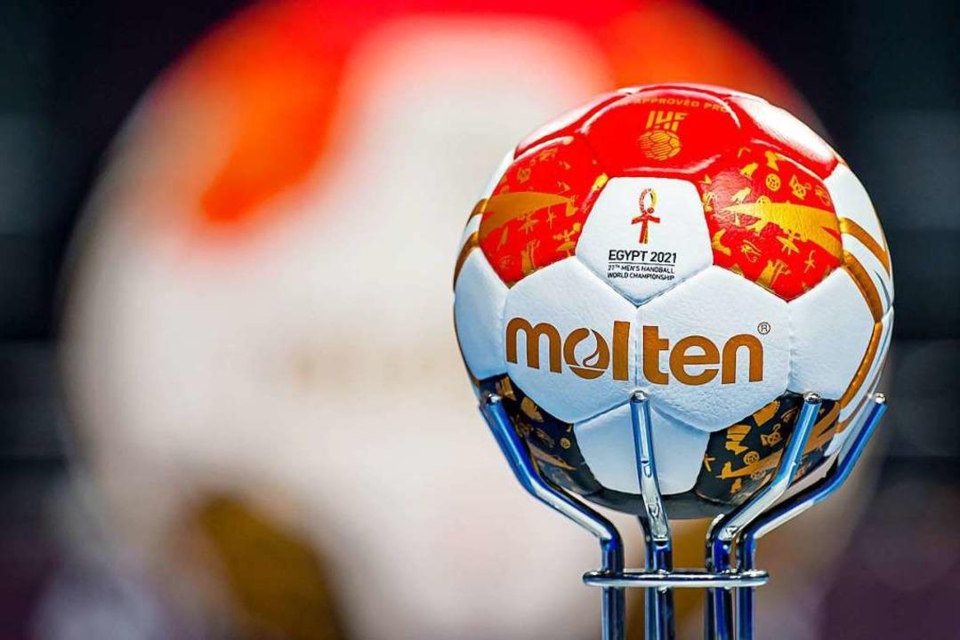 Die Corona-Pandemie erzwingt die nächste Absage eines Teams bei der Handball-WM.  | Foto: Sascha Klahn (dpa)