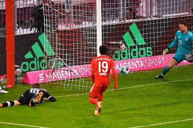 Fotos: Petersen braucht für sein Tor gegen den FC Bayern nur 25 Sekunden