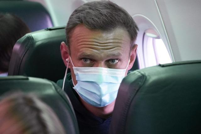 Kremlgegner Nawalny nach Landung in Moskau festgenommen