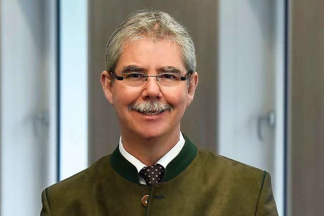 Professor Eckhart Hanser will die digitale Bildung forcieren