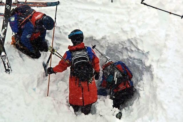 Video: Bergwacht warnt vor weiteren Lawinen im Schwarzwald