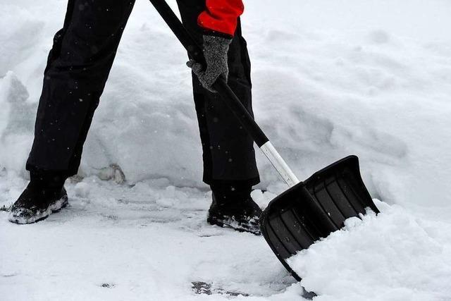 Wer bei Schnee in Lahr Straßen und Gehwege räumen muss