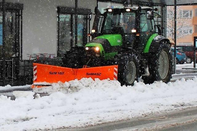 Rheinfelder kritisieren Schneeräumung – Technische Dienste halten dagegen