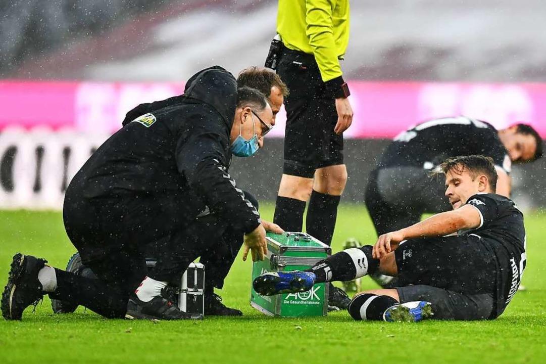 Auch Amir Abrashi musste später in der Partie verletzt passen.   | Foto: Achim Keller/SC Freiburg