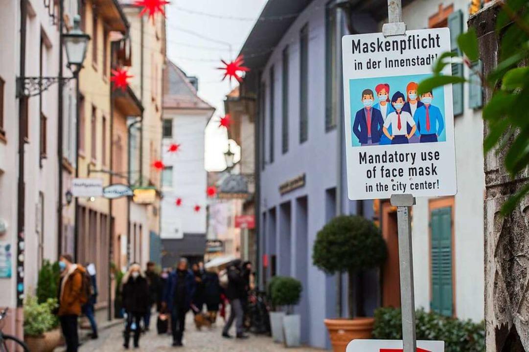 In der Freiburger Innenstadt gilt seit...r die Pflicht zur Mund-Nase-Bedeckung.  | Foto: Philipp von Ditfurth (dpa)
