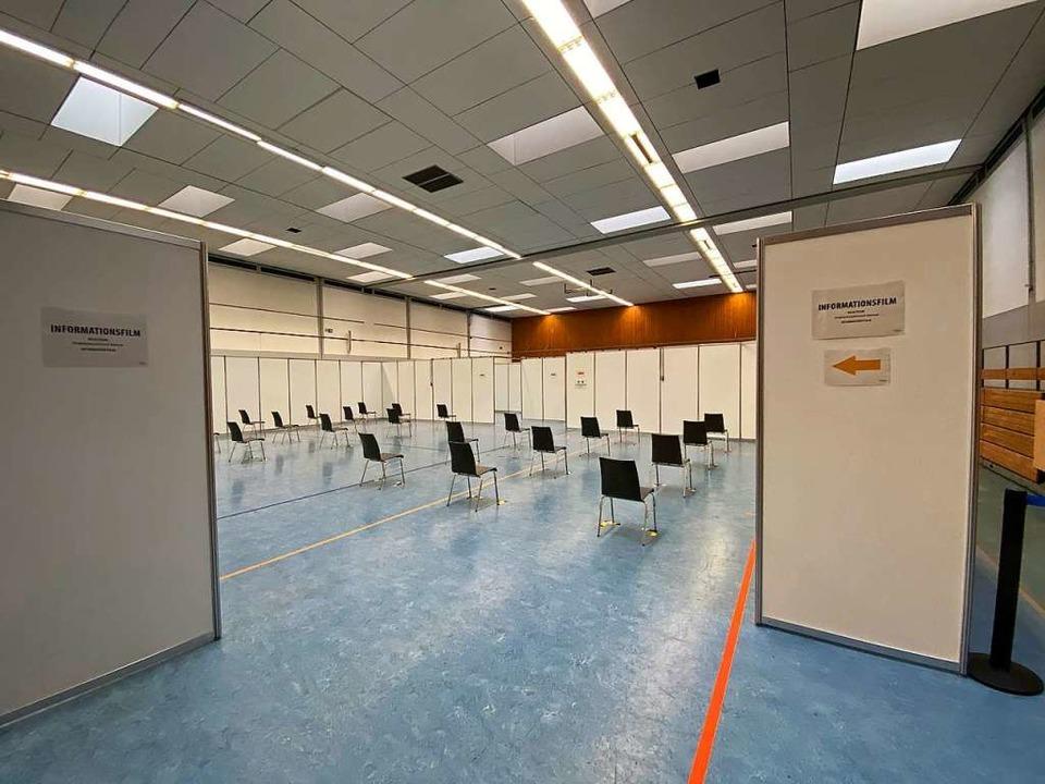 Die Rheintalhalle ist als Impfzentrum eingerichtet worden.    Foto: Mark Alexander