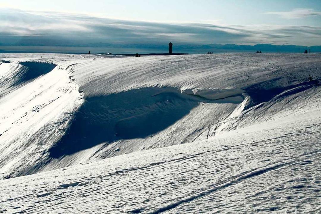 Fast jeden Winter bilden sich Schneewe...Feldberg, so wie 2010 am Zastler Loch.    Foto: Hans-Peter Ziesmer