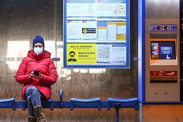 Medizinische Masken sollen bundesweit in Läden und Bussen Pflicht werden