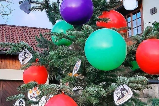 Christbäume leben in Dörlinbach närrisch weiter
