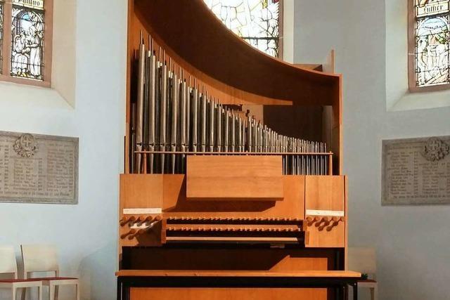Mobile Orgel zieht aus Scheune in Eichstetter Kirche um