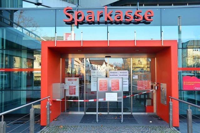 Servicebereich der Sparkasse in Weil bleibt noch Monate geschlossen