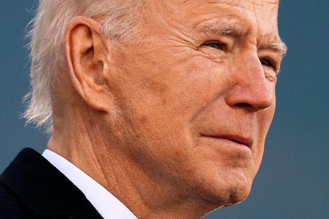 Mit Joe Biden haben die USA endlich ei..., der die Corona-Pandemie ernst nimmt.  | Foto: Evan Vucci (dpa)