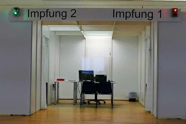 In eine Gewerbehalle in der Müllheimer Eisenbahnstraße ist das Kreisimpfzentrum eingezogen