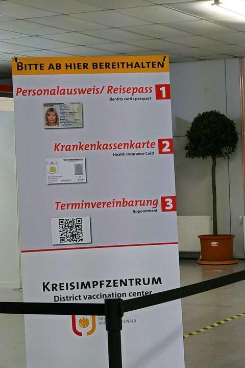 Im Kreisimpfzentrum in Müllheim starten am Freitag die Impfungen gegen Covid-19.  | Foto: Susanne Ehmann