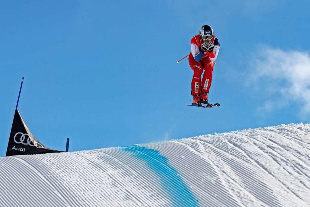 Einfach mal vorneweg fahren: Skicrosser Tobias Baur     Foto: Stephan Boegli