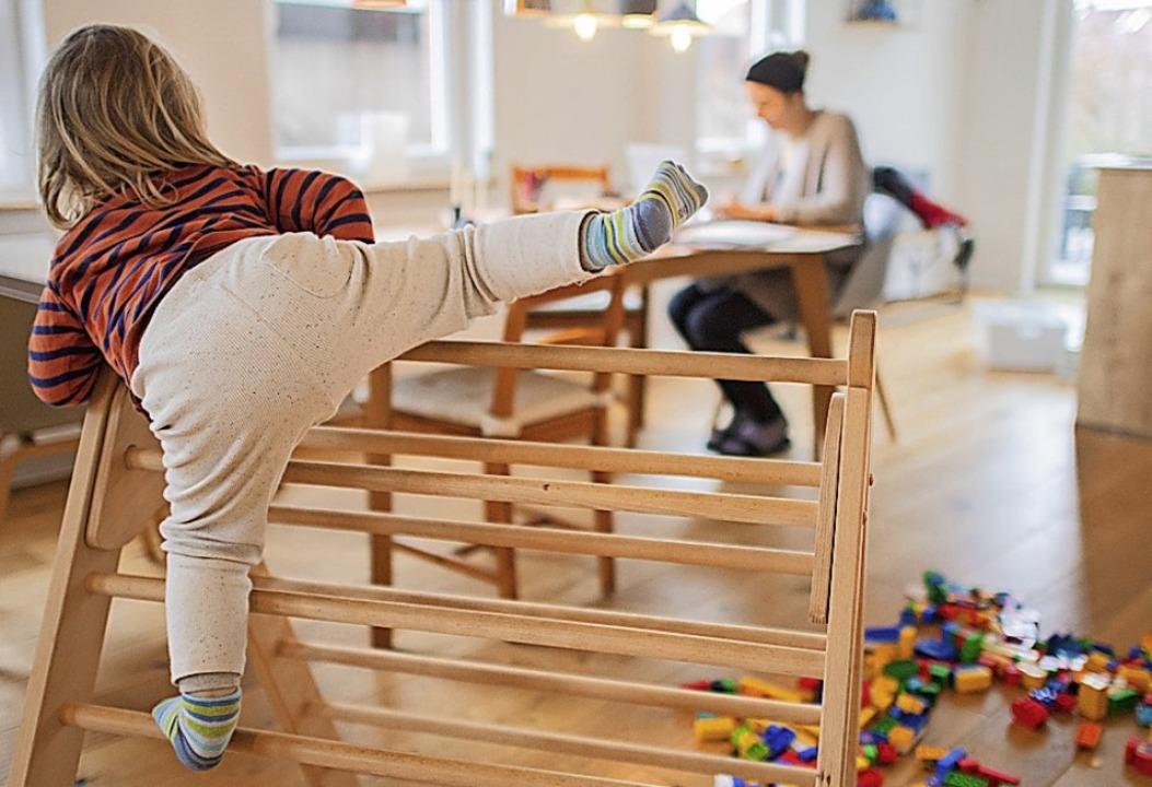 Nicht immer einfach: Homeoffice mit Kind    Foto: Julian Stratenschulte (dpa)