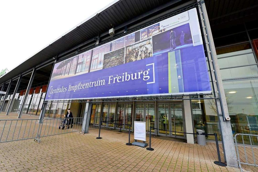 Das Impfzentrum auf dem Freiburger Messegelände.  | Foto: Ingo Schneider
