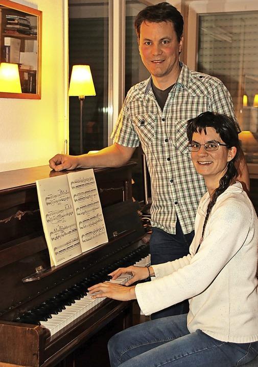 Cécile Couron und Paul Dietz leben als... Paar mit vier Kindern in Gottenheim.   | Foto: Mario Schöneberg