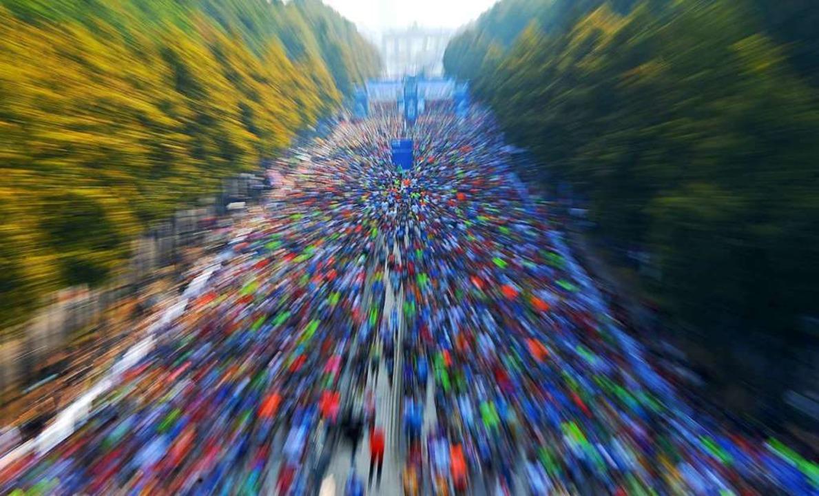 Großveranstaltungen wie der Berlin-Marathon sind im Augenblick schwer denkbar.   | Foto: Paul Zinken