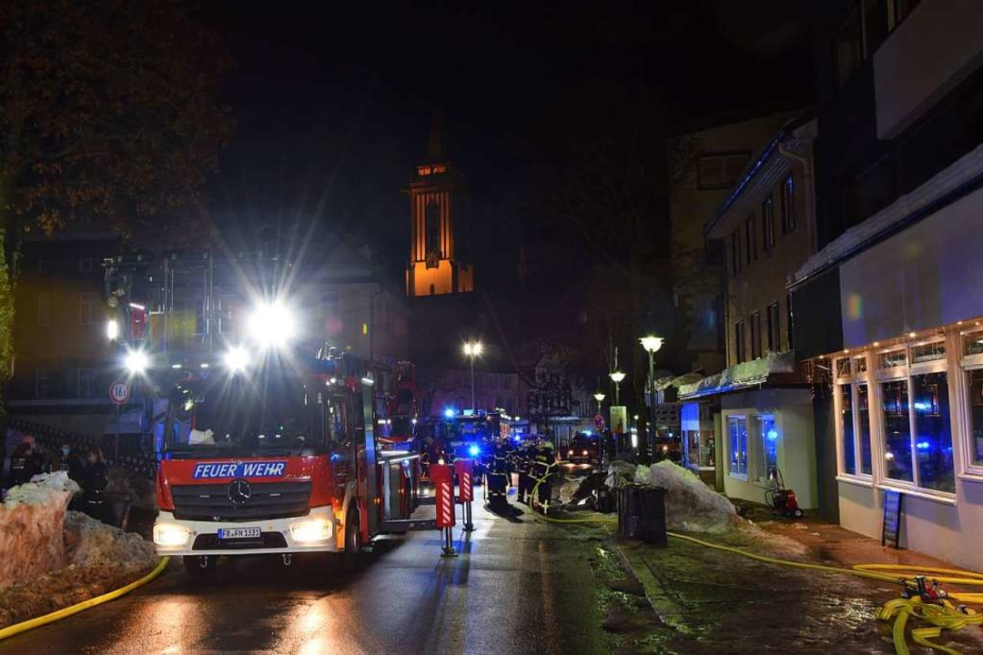 Einsatz in der Neustädter Hauptstraße am frühen Freitagmorgen  | Foto: Kamera24