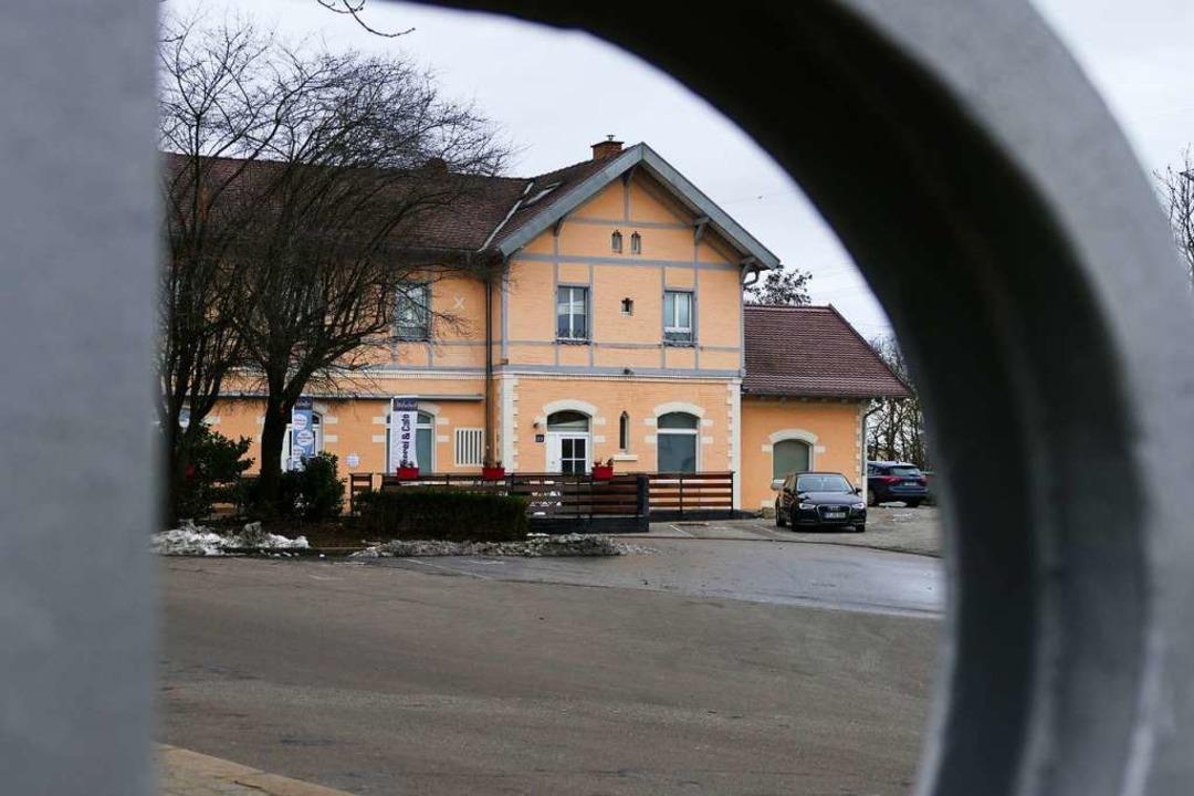 Auf dem Bahnhofsvorplatz befindet sich...r ist jetzt eigentlich schon zu klein.    Foto: Simone Höhl