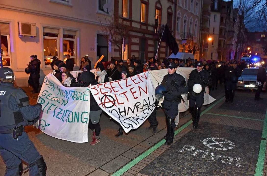 Gegen Wohnungsleerstand wird in Freibu...emonstriert – hier im März 2019.  | Foto: Rita Eggstein